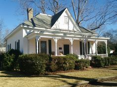 This Charming Folk Victorian-style home sits on a half-acre lot in Union Point, GA. Abandoned Mansion For Sale, Abandoned Farm Houses, Old Farm Houses, Folk Victorian, Victorian Homes, Victorian Interiors, House With Land, Fixer Upper House, Small Cottages