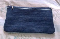 Diy Denim Pencil Case · How To Make A Pouch, Purse Or Wallet · Needlework and Sewing on Cut Out + Keep Cute Pencil Case, Pencil Pouch, Denim Purse, Denim Jeans, Diy Tote Bag, Easy Sewing Projects, Sewing Ideas, Recycled Denim, Cute Cases