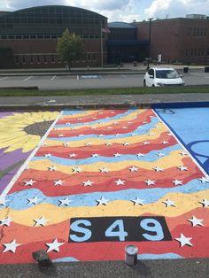 Here's what i did for my senior parking spot! Space Painting, Car Painting, Floor Painting, Bher Paint Colors, Sillouette Painting, Parking Spot Painting, Vsco, Chalk Design, Sidewalk Chalk Art
