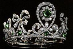 "moika-palace: "" Empress Alexandra Feodorovna's diamond and aquamarine kokoshnik tiara. Empress Alexandra Feodorovna's diamond and emerald tiara created by jewelers Bolin and Fabergé Empress. Royal Crown Jewels, Royal Crowns, Royal Tiaras, Royal Jewelry, Tiaras And Crowns, Fine Jewelry, Pageant Crowns, Antique Jewelry, Vintage Jewelry"
