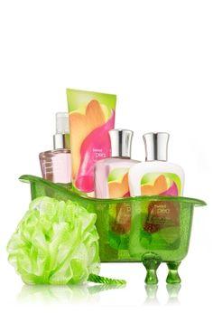 Bath & Body Works Signature Collection Sweet Pea Splish Splash Gift Set