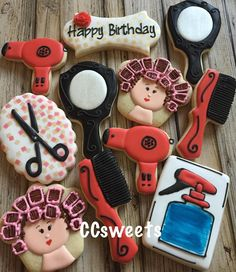 BD Cookies for the hairstylist.. Lady in curler design inspired by Pinterest. Not sure who to give credit too. #ccsweets01 #decoratedcookies #stenciledcookies #hairstylistcookies #birthdaycookies