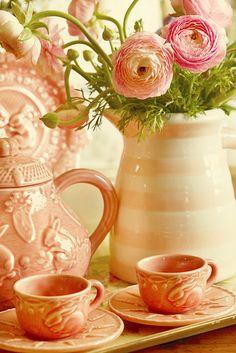 Vintage Tea - Set } Lovely Pale Peach