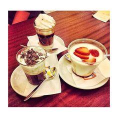 Pause studio ☕️ #break #afternoon #coffee #mint #cream #strawberry #chocolate #yogurt #food #caffe #cioccolato #panna #fragole #dersut #trento #foodporn #instaday #instafood #instagood