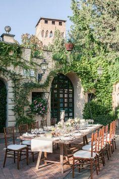 Great Gatsby-inspired garden inspired garden party wedding in Tuscany:Photography: http://www.innocentistudio.com