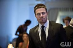 """Arrow -- """"Dodger"""" -- Image AR115a_0134b -- Pictured: Stephen Amell as Oliver Queen -- Photo: Cate Cameron/The CW -- © 2013 The CW Network. All Rights Reserved"""