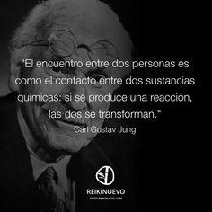 Encuentro entre dos personas (Carl Gustav Jung) que sea para algo positivo ,no para destruirse. Lo mejor de la vida de corazon, cada uno en su mundo y ambientes ,es lo que siempre nos hace feliz ,estar con la gente que nos haga sentir de maravilla ,y todos tenemos gustos diferentes ♥