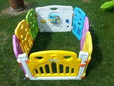 Kinder Laufstall Laufgitter aus Kunststoff mit Tür und Spielzeugboard - Yorbay.de