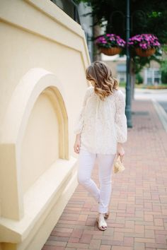 How to Style Summer Whites by Fashion Blogger Maggie Kern of Polished Closets