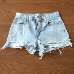 Vintage Levi's Denim Shorts (high rise) Vintage Levi's high rise denim shorts. Super cute and perfect for summer! Size 25. Gorgeous wash. Can't go wrong with classic Levi's! Levi's Shorts Jean Shorts