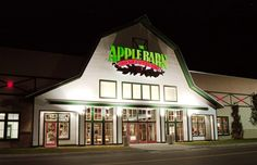 Apple barn pigeon forge tn, place to be in the fall........