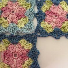 Little wilde flower square – english pattern Crochet Flower Squares, Crochet Granny, Crochet Motif, Crochet Doilies, Double Crochet, Crochet Flowers, Crochet Lace, Crochet Stitches, Crochet Hooks
