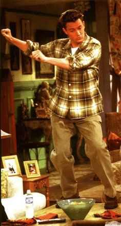 "Chandler Bing (Matthew Perry) in ""Friends"" Friends Tv Show, Chandler Friends, Tv: Friends, Serie Friends, Friends Cast, Friends Moments, Friends Forever, Friends Trivia, Romantic Movies"