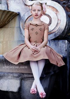 "ALALOSHA: VOGUE ENFANTS: #Sneakapeek: #Monnalisa FW'14 #hautecouture collection ""Fashion is an iconic dress"""