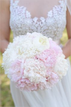 #bouquet #peony #pink #white @weddingchicks