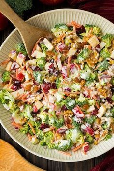 This broccoli apple salad is the perfect salad for fall! Made with raw broccoli, onions, walnuts, golden raisins, cranberries and carrots it. Steak Dinner Recipes, Easter Dinner Recipes, Healthy Dinner Recipes, Healthy Meals To Cook, Healthy Cooking, Slow Roasted Tomatoes, Grilled Vegetables, Apple Salad, Fruit Salad
