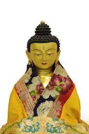 Tenzin Tibet Huis is een sfeervolle winkel gespecialiseerd in Tibetaanse, met name Boeddhistische kunsten en ambachten, zoals beelden, thangka's (beschilderingen op doek, ingelijst in brokaat), klankschalen en andere religieuze voorwerpen. Ook hebben we een grote selectie van handgemaakte sierraden en allerlei soorten Tibetaanse handgemaakte producten, zoals Tibetaanse traditionele kleding, hoeden en kleding van zijde, brokaat, katoen en wol. Info: www.tenzintibethuis.nl/