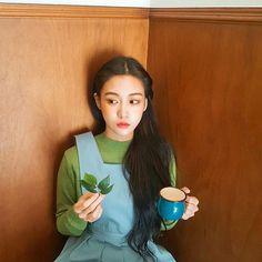 Ulzzang Korean Girl, Cute Korean Girl, Yu Jin, Uzzlang Girl, Korean Aesthetic, Grunge Girl, Asia Girl, Pretty People, Korean Fashion