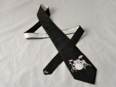 Simira - Tyrkysovo-černé tričko s běžkaři M - dzejn Gloves, Fashion, Moda, Fashion Styles, Fashion Illustrations