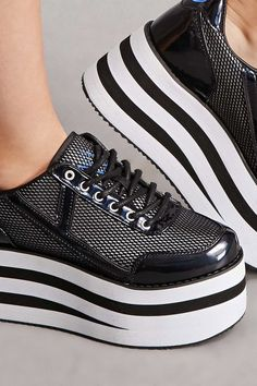Stylish Platform Shoes from 38 of the Brilliant Platform Shoes collection is the most trending shoes fashion this season. This Platform Shoes look related to adidas, sneakers, shoes and adidas… Gucci Sneakers Fashion, Fashion Shoes, Hot Shoes, Women's Shoes, Shoe Wardrobe, Popular Shoes, Girls Shoes, Ladies Shoes, Shoes Women