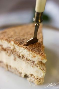 Pastel de vainilla y merengue de almendras Succès vanille Maren Lubbe Deliciosas delicias - Meringue Cake, Different Cakes, Chocolate Chip Muffins, Bakery Recipes, Cakes And More, No Bake Desserts, Summer Desserts, Cake Cookies, Yummy Cakes