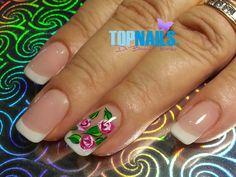 Uñas Acrílicas Francesas con diseño de Rosas Pintado a mano alzada.(Acrylic Nails French with Floral designs painted freehand)