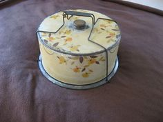 Vintage Collectible Rare Jewel Tea Autumn Leaf Hall TIN Cake Safe Carrier ...this is just beautiful!