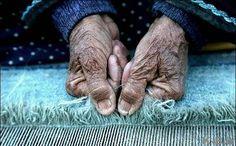 دستهایش....