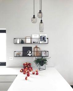 For et utrolig stilfullt bilde fra Meert hyllene har vi på lag Kitchen Interior, Interior Design Living Room, Kitchen Decor, Küchen Design, House Design, Design Trends, Design Ideas, Interior Styling, Interior Decorating