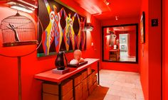 Image from http://houseandhome.com/sites/houseandhome.com/files/images/4-soho.jpg.
