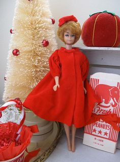 This was the Barbie I had. A Bubble Haired Barbie. Play Barbie, Barbie I, Vintage Barbie Dolls, Barbie World, Barbie And Ken, Barbie Dress, Barbie Clothes, Christmas Barbie, Red Christmas