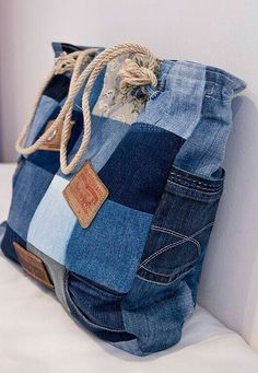 74 Awesome DIY ideas to recycle old jeans, DIY and Crafts, 74 AWESOME ideas to recycle jeans Artisanats Denim, Denim Bags From Jeans, Diy With Jeans, Diy Denim Purse, Diy Old Jeans, Denim Outfit, Blue Denim, Denim Skirt, Jean Diy