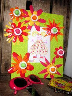 Cadre Fleurs Récup en pots de petits suisses