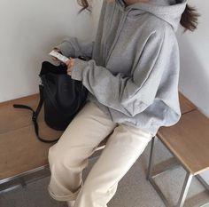 korean fashion aesthetic outfits soft kfashion ulzzang girl 얼짱 casual clothes grunge minimalistic cute kawaii comfy formal everyday street spring summer autumn winter g e o r g i a n a : c l o t h e s aesthetic korean g e o r g i a n a Uni Outfits, Korean Outfits, Grunge Outfits, Casual Outfits, Fashion Outfits, Fashion Tips, Casual Clothes, Comfy Clothes, Fashion Bloggers