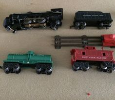 Vintage 1950 Lionel Train Set. - Comes with everything in this picture. Priced at $140.00 OBO #hobbies #collectibles