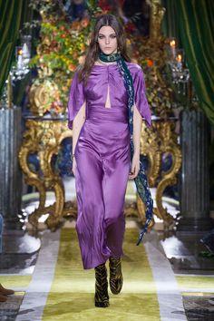46 melhores imagens de Roberto Cavalli   Moda da Passerella, Moda ... 5f7931ecf8