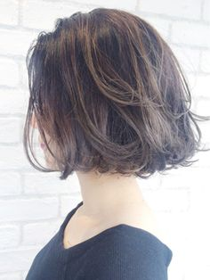 Bob Hairstyles : cut- love the bob - Hairstyles Trends Network : Explore & Discover the best and the most trending hairstyles and Haircut Around the world Pretty Hairstyles, Bob Hairstyles, Medium Hair Styles, Short Hair Styles, Haircut And Color, Bad Hair, Great Hair, Hair Today, Hair Dos