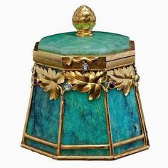 Gold Mounted Amazonite Box by BOLIN Moscow, Russia 1899-1908 Z