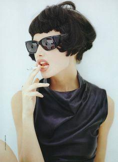 glasses and cigarrets