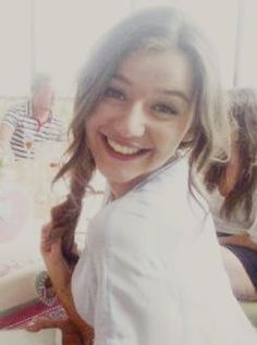 Even the rumours of larry and elounor, I'm still gonna post this cause she is beautiful