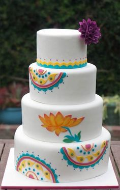 Amazing modern Indian cake by Erica Obrien Cake Design. by Isabel G.E (Spain)