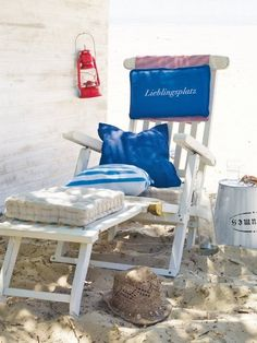 Step inside your dreamy house with these Beautiful Breezy Beach And Sea Inspired House Décor Ideas take a deep breath, relax and live on each day of the year! Lakeside Living, Coastal Living, Summer Fun, Summer Time, Marine Style, Nautical Home, Nautical Style, Am Meer, Beach Chairs
