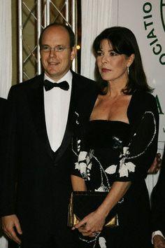 Caroline de Monaco avec son frere, le Prince Albert