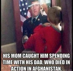 Funny pictures about Spending time with his daddy. Oh, and cool pics about Spending time with his daddy. Also, Spending time with his daddy. Sweet Stories, Cute Stories, My Champion, Touching Stories, Support Our Troops, Real Hero, Military Life, Military Families, In This World