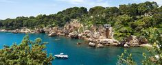 Rent villas in France with Villa Guru and discover some of the world's best food and wine. From the Cote d'Azur to Languedoc, book your luxury villa here. Cap D Antibes, Antibes France, Monuments, Provence, Villa France, Juan Les Pins, World's Best Food, French Riviera, South Of France