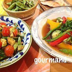 和食にしようと 計画してたメインの鮭くんが…サブに埋れたʕ⁎̯͡⁎ʔ༄  キュウリもトマトも 朝採りの新鮮なのをもらって それだけでも 贅沢〜✨✨✨ - 157件のもぐもぐ - お野菜の揚げ浸し、採れ②野菜とアボカドの和風サラダ♪ by gourmand