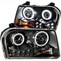 Anzo 121152   2005 Chrysler 300 Black Halo Projector Headlights for Sedan