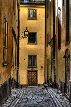 Solgränd/Old town Stockholm by EnJork, via Flickr