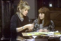 Julia Roberts and Jena Malone in Stepmom 1998 Jena Malone, Stepmom 1998, 1990s Films, New Wife, Stock Image, Illustrations, Good Movies, Pretty Woman, Actresses