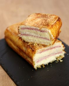 Make the croque cake, the XXL croque-monsieur that makes everyone agree! Batch Cooking, Cooking Recipes, Crepe Cake, Vegetable Drinks, Love Food, Cake Recipes, Dips, Sandwiches, Easy Meals